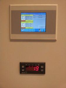 Kontrolna_enota_z_zascitnim_termostatom