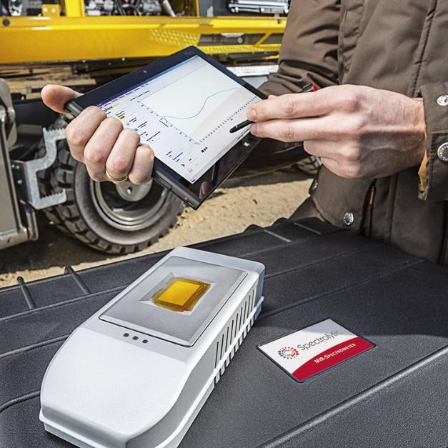 IR Sphinx ATR spektrometari koriste princip Attenuted Total Reflection (ATR) za snimanje infracrvenog spektra uzorka.